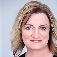 Julie Hyde | Empowerment and Leadership for Business Success