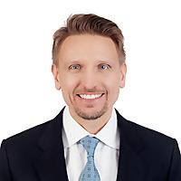 Leslie Benczik Markham Real Estate Agent