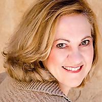 Emra Smith - Author Speaker Life Coach
