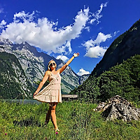 The Wandering Blonde | Solo Female Travel Blog