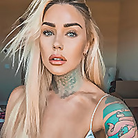 Kristen Leanne | Makeup Vlogger
