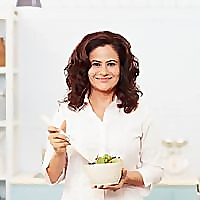 Shonali Sabherwal | Macrobiotic Nutritionist & Diet Consultation India