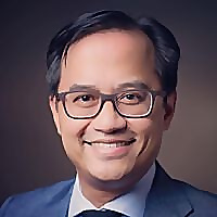 Dr Eric Levi