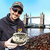 Si-finds Thames Mudlark